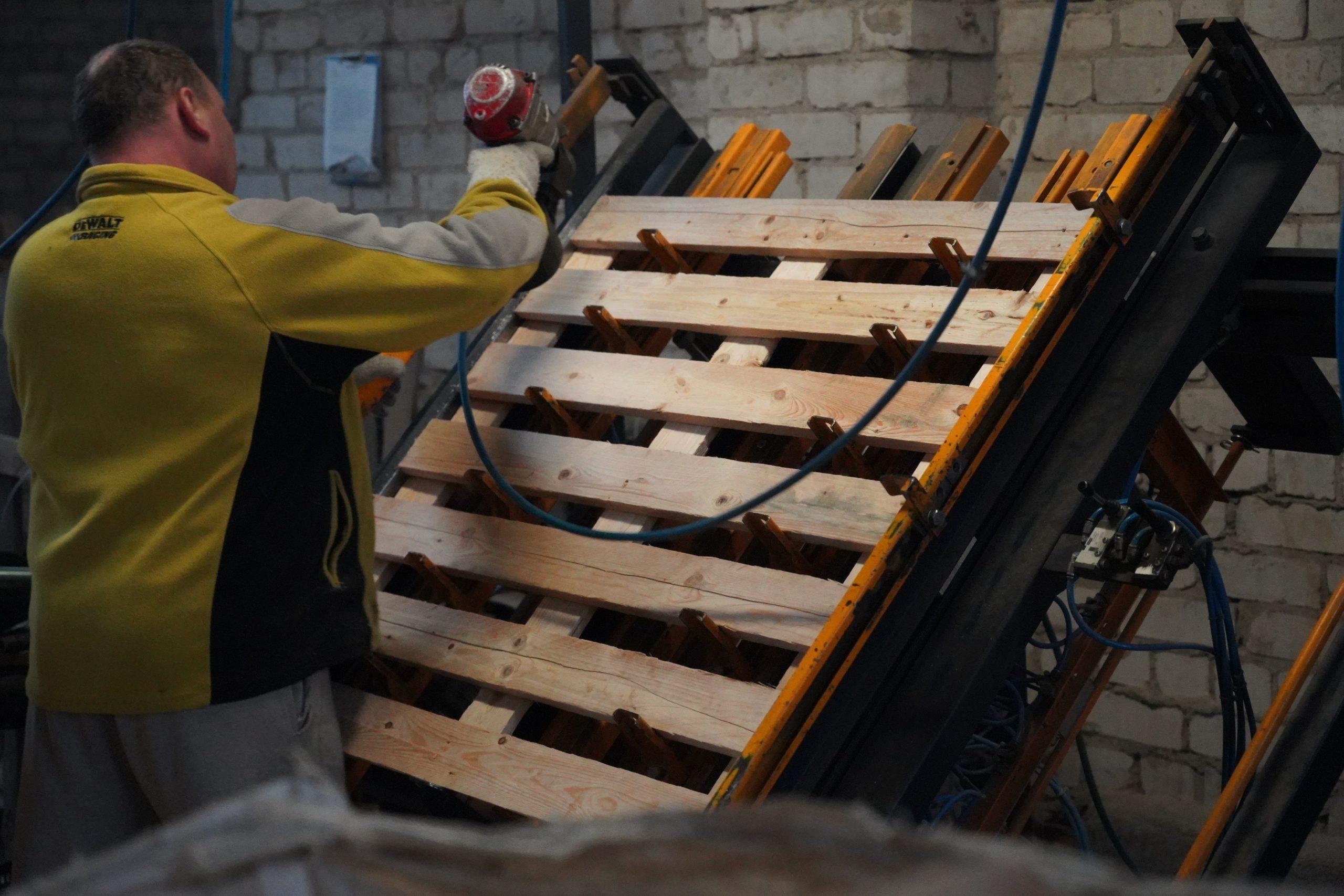 Mediniai padėklai - vienkartiniai padėklai paletės - BIOKURO BAZĖ